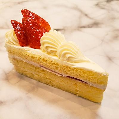 ショートケーキ・390円